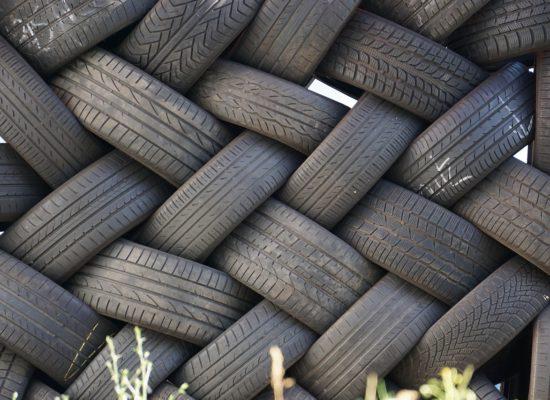 auto-tires-2413943_1280